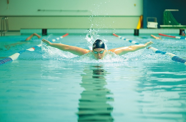 Jess Sylvester, GB swimmer and undergraduate, training in the University Swimming Pool