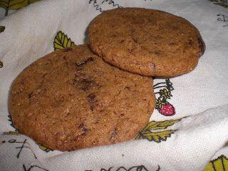 Kamomillan konditoria: Mantelivoi-suklaakeksit