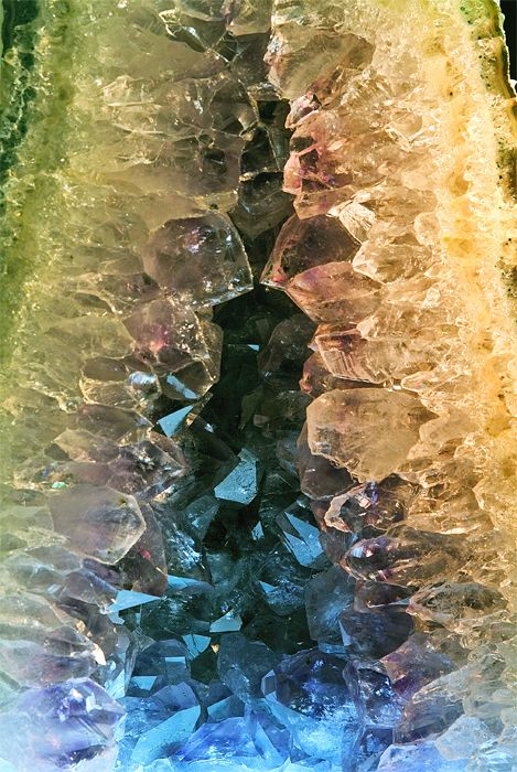 .Crystals Naturalinspir, Inspiration, Geode, Nature, Beautiful, Earth Hidden, Rocks, Minerals, Colors Gemstones