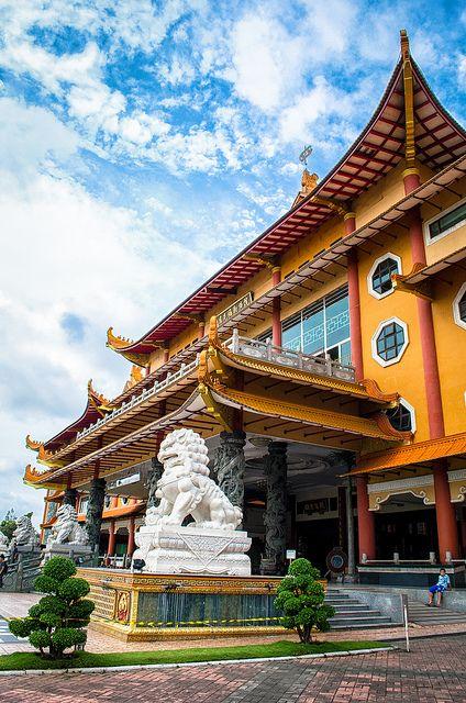 Maha Vihara Maitreya   Sumatra, Indonesia