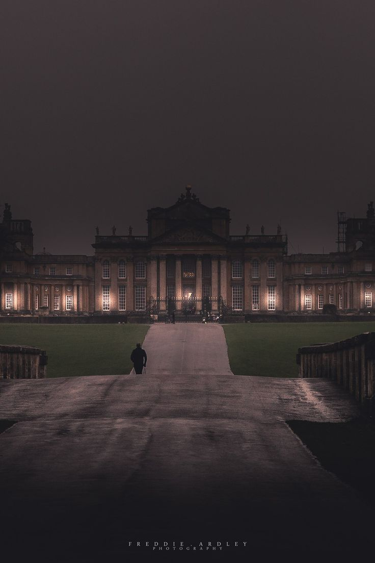 #Blenheim at night...oh, it looks so much better this way.