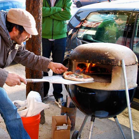 gerik and i need to try this! DIY pizza oven
