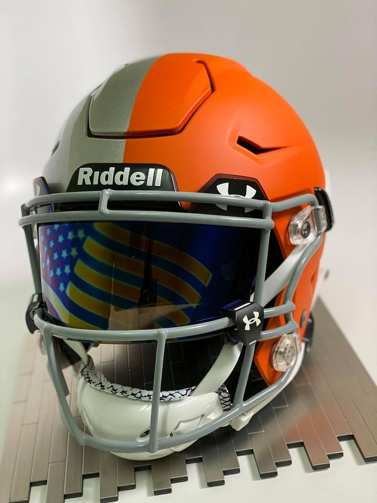 Custom painted riddell speedflex with custom visor in