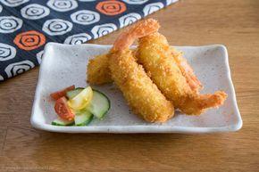 Ebi Fry sind panierte und frittierte Shrimps. Sie sind ein sehr beliebtes Yōshoku-Gericht in Japan, also ein Gericht westlichen Ursprungs, Vor allem Kinder mögen Ebi Fry und auch für das Bento ist es ein ideales Gericht. Ebi Fry sind wunderbar knusprig und man kann sie gut kalt essen. Zutaten für 6 Ebi Fry: 6 große …