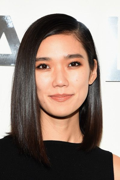 Tao Okamoto Asymmetrical Cut - Asymmetrical Cut Lookbook - StyleBistro