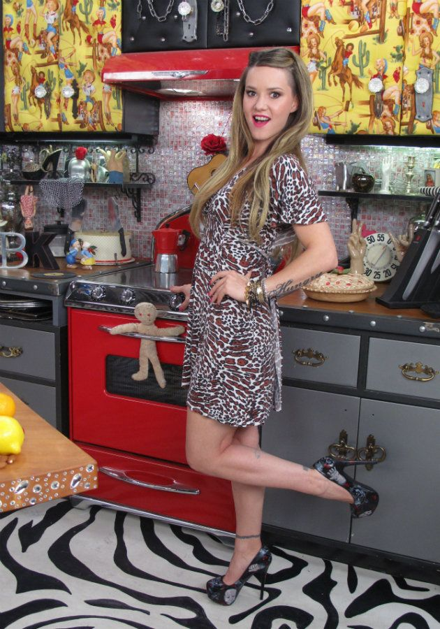 Photo collection bitchin kitchens nadia giosia Is kitchen crashers really free