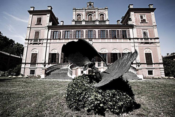 #villamanodori: due passi nel verde - have a walk #giardino #garden #outdoor #vintage #rétro #villa #wedding #scenography #Italy #shooting #events #meeting