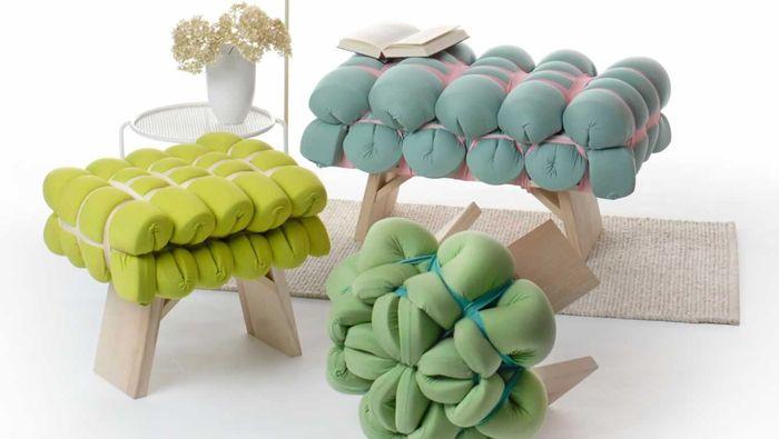 Meike Harde Imaginez un monde où tout notre mobilier serait doux et confortable.place aux meubles textiles, modulables .Pour créer des objets uniques, elle étudie d'abord leur fonction puis l'associe à une matière textile qui lui correspond. elle s'est aussi imposé la contrainte de travailler uniquement avec des tissus unis qu'elle dispose de façon à créer des motifs avec la matière même. Quand le design, la conceptualisation et l'esthétique se mélangent: on obtient de l'incroyablement beau
