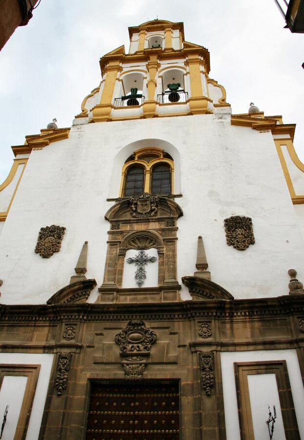 Iglesia de Santa Cruz en el Barrio de Santa Cruz en Sevilla