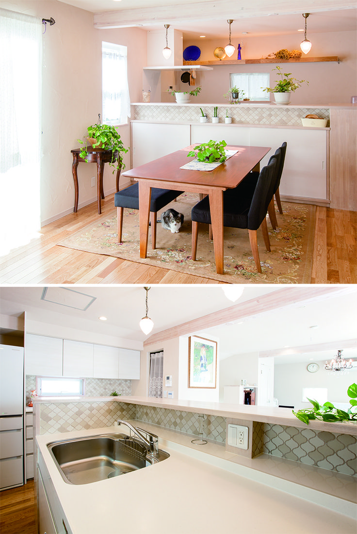 キッチンは対面式にして、コンロ横の壁はキッチンパネル、キッチン天板上にはモザイクタイルを張っています。ダイニング側の腰壁下に収納もつくり、棚の壁もモザイクタイルでお洒落に演出しています。|キッチン|インテリア|カウンター|タイル|ダイニング|おしゃれ|作業台|ウッド|リビング|かわいい|