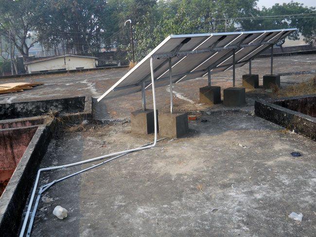 Success Story / Case Study - Solar Energy Project - Solar Panels installed by Perfect Aurarays in Sarai Mohan, Thekma, Azamgarh, Uttar Pradesh, India. http://www.aurarays.com/projects/saray-mohan.aspx