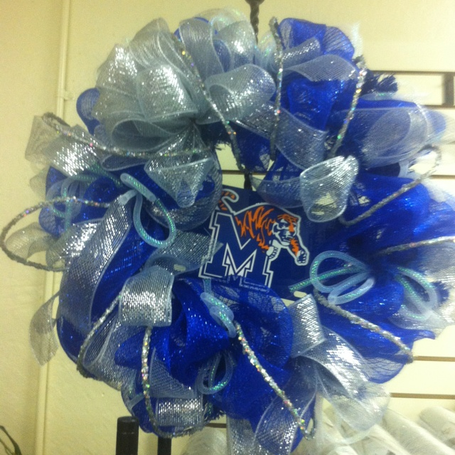 Memphis Tigers mesh wreath