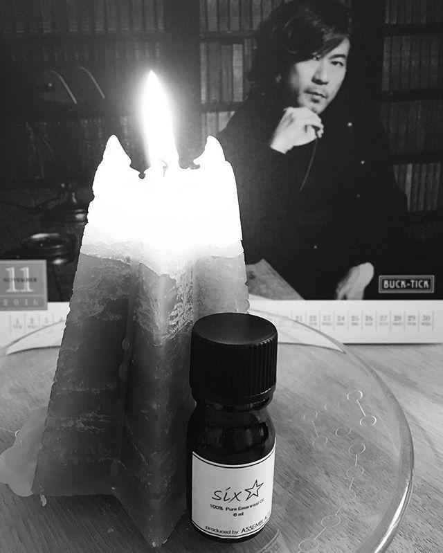 ヒデ香とヒデ曲に塗れて、言葉を紡ぐ午後。 妄想が収集つかなくなってきたから、一休み☆ #キャンドル #candle #handmade #香り #six☆ #assemblage #bucktick #星野英彦