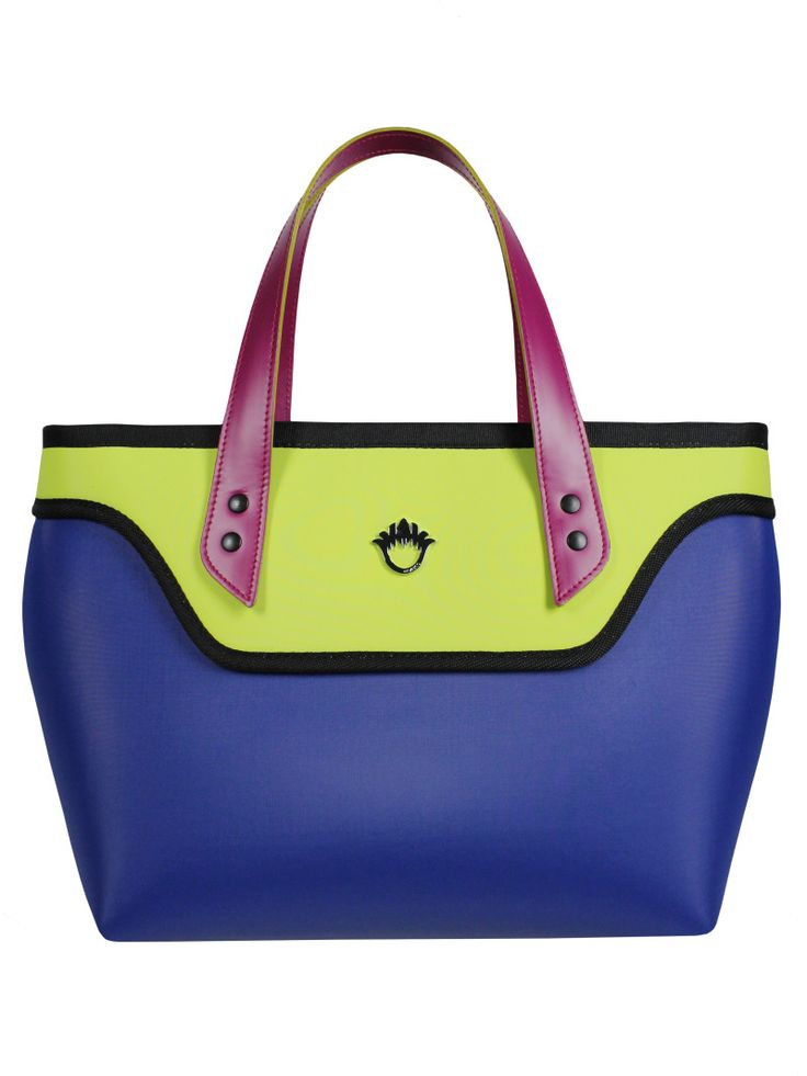GOSHICO, aw2015, coffer bag, blue + lime. To download high or low resolution product images view Mondrianista.com (editorial use only).