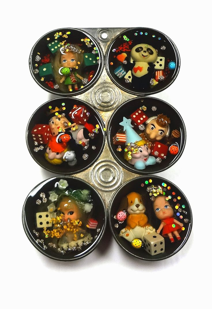 Resin Crafts: Vintage Baking Pan and Toys Embedded in EasyCast