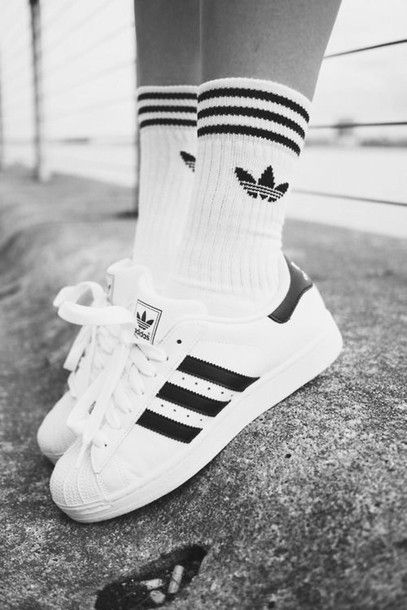 Wheretoget - White Adidas sneakers and socks with black stripes