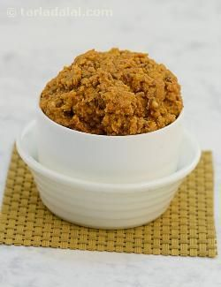 Basic hydrabadi paste, characterised by the liberal use of select condiments and spices like sesame, peanuts etc. , hyderabadi gravies are famous for their delicious taste and aromatic nature. The basic gravy gets its unique flavour because of the roasted sesame and peanut powder combination. The recipes made with this basic gravy are slightly reddish-brown in colour and more on the spicier side due to use of slit green chillies in the final recipe. It is a versatile gravy that can be used…