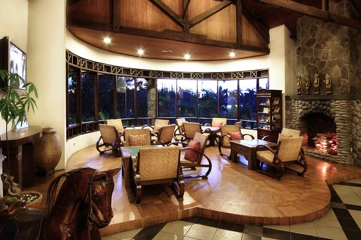 the hotel's in-house restaurant, puncak café, serves the best of local indonesian cuisine, international style and chinese favorites. a more casual dining option is the bamboo terrace restaurant, which serves eastern and western-style buffets for breakfast, lunch and dinner. poolside lounge offers a cozy setting, a great venue for afternoon coffee and light meals more info http://www.novushotels.com