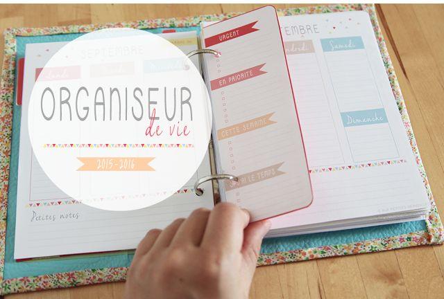 http://aux-petites-merveilles.blogspot.fr/2015/08/diy-agenda-type-filofax-organiseur.html