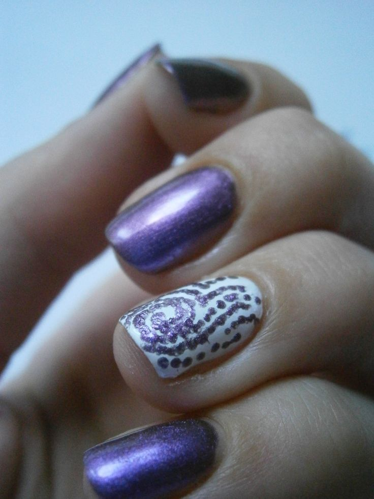 Flormar white and purple duo chrome