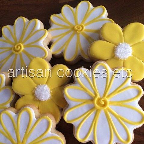 #spring has sprung #artisancookiesetc #cookieart #cookies #yummy #greatgifts #daisies #flowers