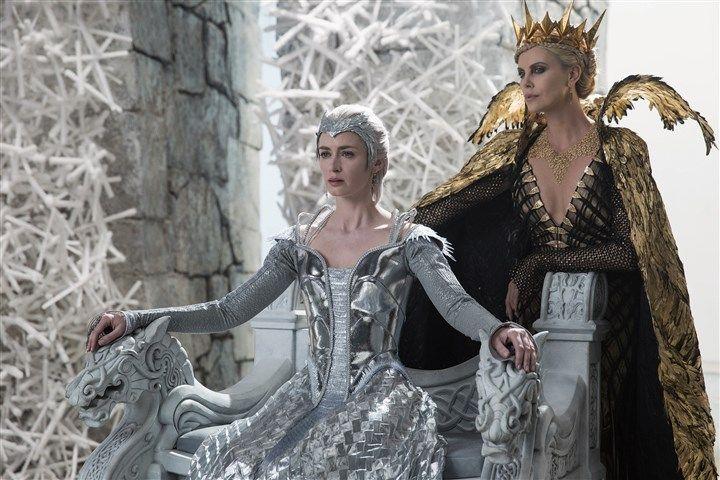 The Huntsman Winters War Freya | WMP_The Huntsman_Winters War-7 Wicked sisters Freya (Emily Blunt) and ...