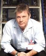 IBM - Ohjelma Smarter Business 2012 - Suomi Tilaisuuden keynote-puhuja on laulaja, lentäjä, yrittäjä ja luova bisnesajattelija Bruce Dickinson. Brittiheavyn legendaarisen pioneerin Iron Maidenin keulakuvana Dickinson on nähnyt ja kokenut lähes kaiken musiikkiteollisuudessa. Nykyään hänet tunnetaan myös menestyneenä yrittäjänä, sijoittajana ja bisnesenkelinä. Bruce Dickinsonin viimeisin projekti on 1500 henkeä työllistävä lentokoneiden varaosia ja huoltopalveluja tarjoava yritys Walesissa.