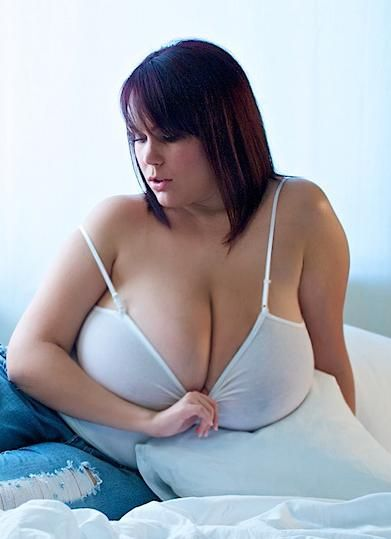 Naked curvy girls of xl 11