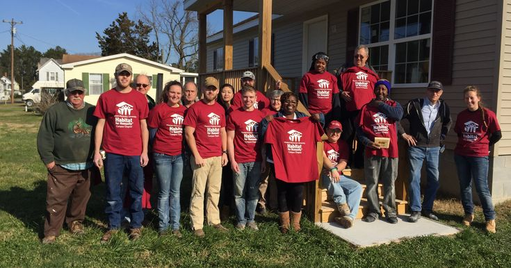 Kentucky college students help build Habitat house in Accomack County #college