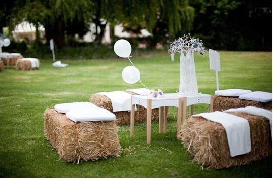 strohballen strohballensofa diy countryside wedding rustikal wedding pinterest. Black Bedroom Furniture Sets. Home Design Ideas