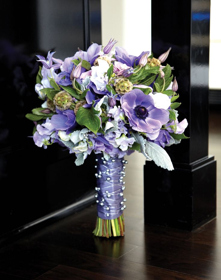 Bouquet of anemones, clematis, sweet peas, lavender roses ...