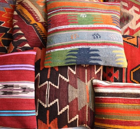 50 x 50 / 70 x70 / 100 x 100cm  Killim cushions