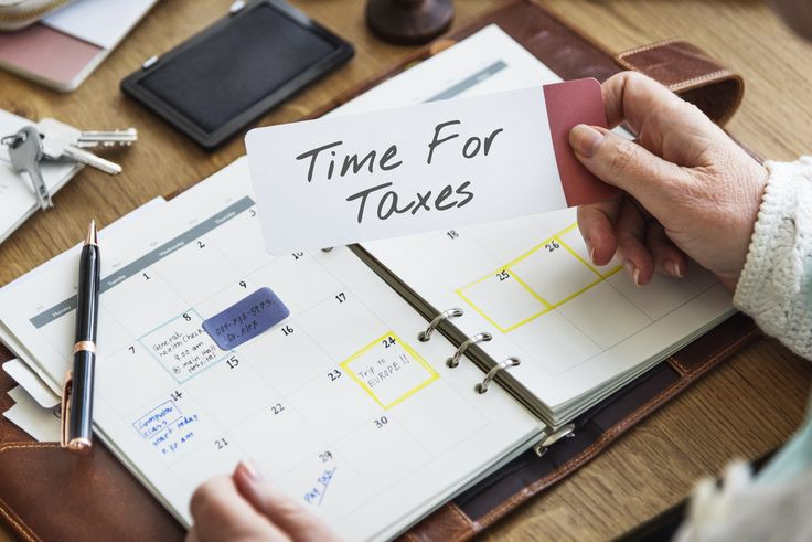 Procrastinators, rejoice! An extended filing deadline is just one important fact about the 2017 tax season.