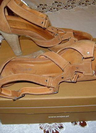 Kup mój przedmiot na #vintedpl http://www.vinted.pl/damskie-obuwie/platformy/11764521-szpilki-wojas-39-brazowe-skorzane-platforma