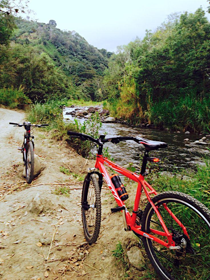 Ride next to the river. La Florida, Pereira - Colombia. #biker #mtb #nature #landscape
