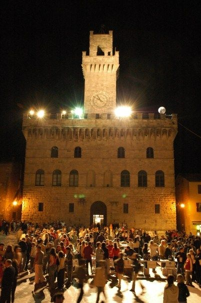 Piazza Grande-Montepulciano- _______________________ -ITALIA-TOSCANA:il Vino Nobile di Montepulciano, in Val di Chiana-Siena- by Francesco-Welcome and enjoy-  #WonderfulExpo2015  #Wonderfooditaly #MadeinItaly #slowfood #FrancescoBruno    @frbrun  http://www.blogtematico.it   frbrun@tiscali.it    http://www.francoingbruno.it   #Basilicata