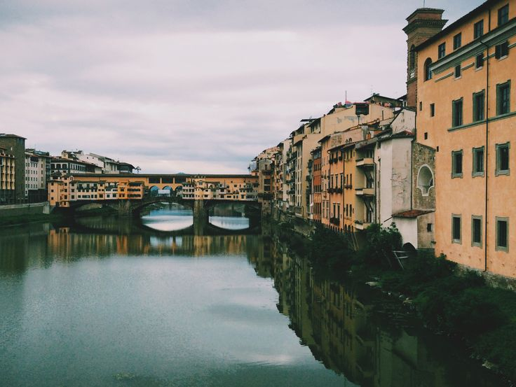 Beautiful reflections in Arno #florence
