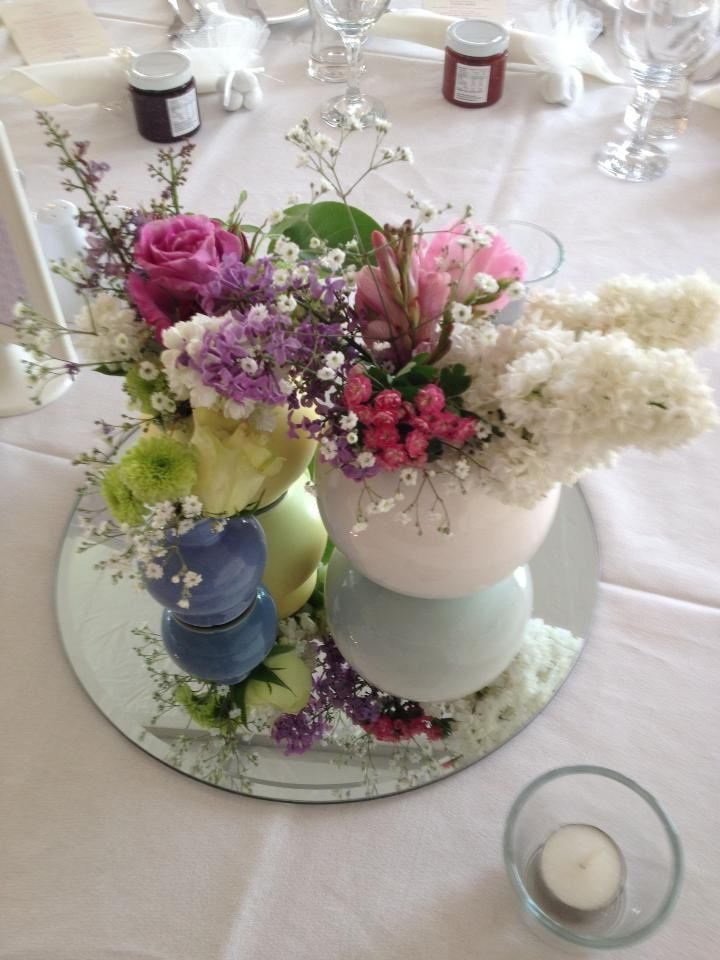 Table setting pastel flowers country wedding
