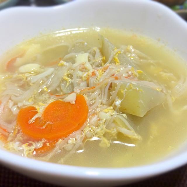 王道のスープですね  隼人瓜を買って料理に悩み検索すると 煮ると冬瓜と大根くらいの硬さと出て思い浮かんだのがTomokoさんのレシピでした。 上海蟹の茹で汁をベースに美味しく頂きました。 - 107件のもぐもぐ - Tomoko Itoさんの料理 玉子豆腐とカニカマ使って簡単うまうまあんかけ冬瓜♥ 上海蟹の茹で汁で隼人瓜にしてみました。 by sanomikijp