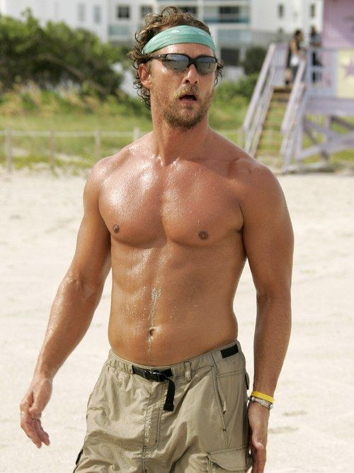What Matthew McConaughey's Epic Beach Runs Can Teach You About Outdoor Workout…