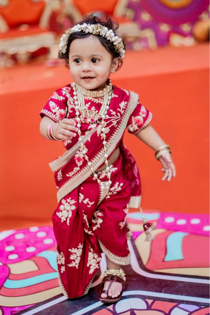 Marathi mulgi in baby nauvari (With images) Kurti