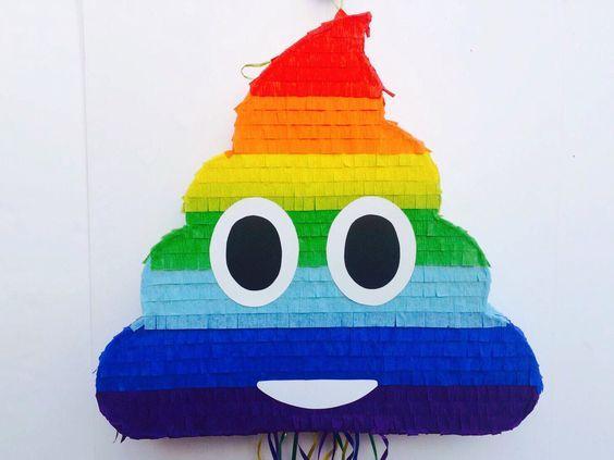 PINATA de arco iris de EMOJI caca, caca Emoticon partido, partido de emoji de whatssap, tire de cadena Piñata de TRUSTITI en Etsy https://www.etsy.com/es/listing/508859408/pinata-de-arco-iris-de-emoji-caca-caca