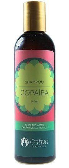 Shampoo natural e orgânico anti-caspa e cabelos oleosos. Acalma o couro cabeludo delicado e auxilia nos casos de caspa, seborreia e psoríase. Promove limpeza eficaz sem agredir os fios, deixando-os macios e hidratados. Livre de sulfatos.
