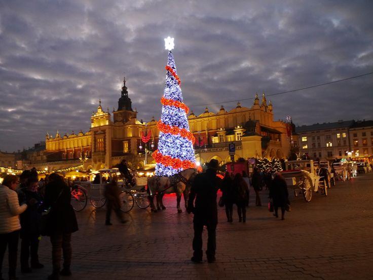 Krakow, Polen  #citytrip #stedentrips #hotspots #winter #city #krakow #krakau #polen #europe #trip #travel #travels #wanderlust #backpack #wanderer