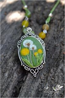 Dandelion necklace from polymer clay by Zubiju