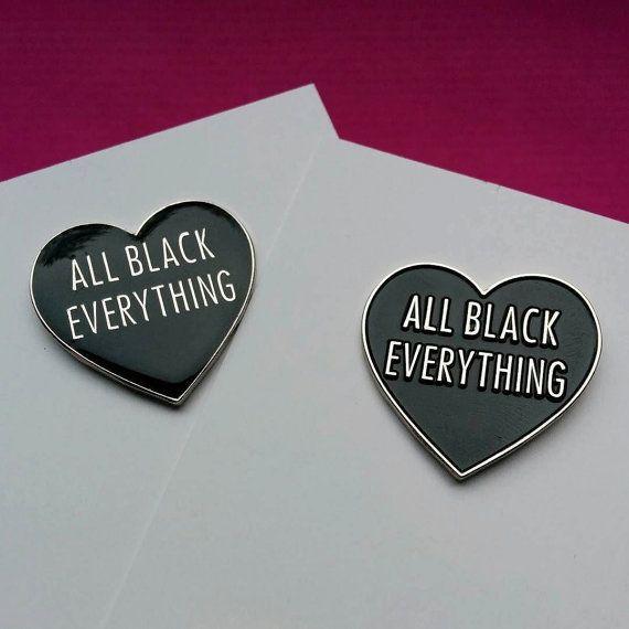 Helemaal zwart hart alles glazuur Pin / door WhoAreYouCurlySue