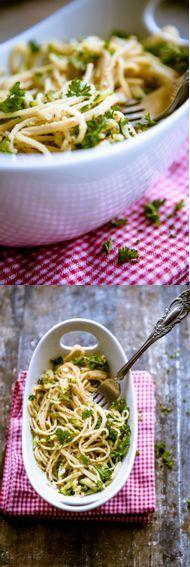 Pasta mit Zucchini-Nuss-Soße
