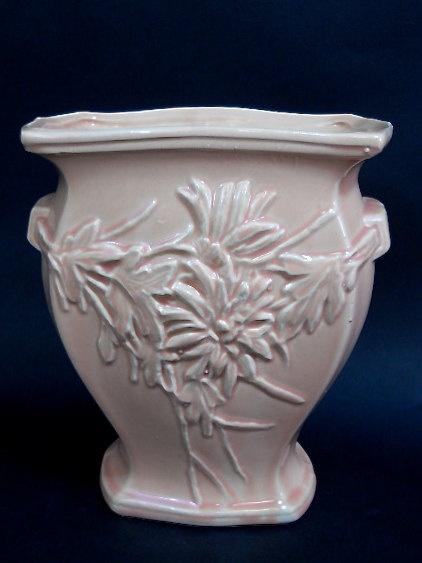 The 455 Best Mccoy Pottery Images On Pinterest Mccoy Pottery