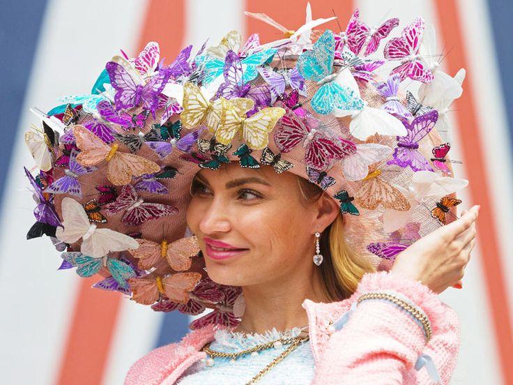 「ロイヤルアスコット」、華麗な帽子で応援 | オピニオンの「ビューポイント」
