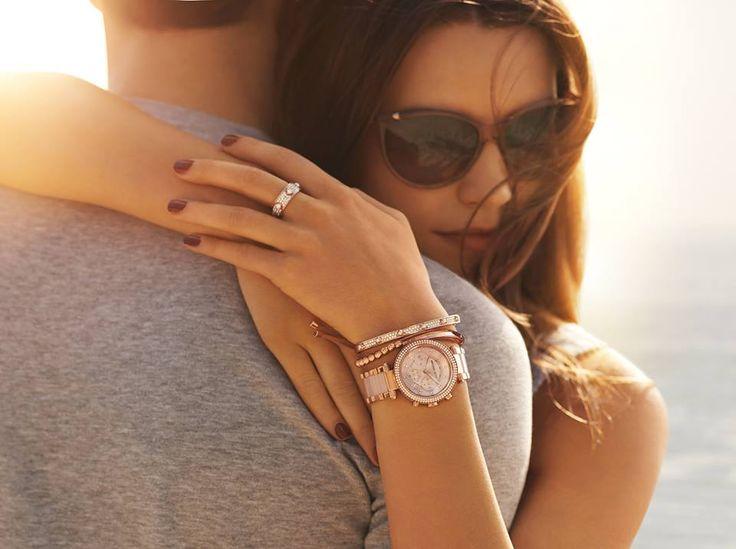 Takto vyzerajú hodinky Michael Kors Parker MK5896 v akcii. http://www.1010.sk/p/hodinky-michael-kors-parker-mk5896/